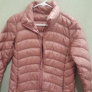 Uniqlo packable down jacket s